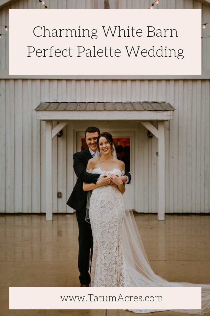 Inés & Garrett's Charming White Barn Perfect Palette Wedding was the first of our real weddings designed in collaboration with The Perfect Palette! #theperfectpalette #perfectpalettewedding #whitebarnwedding #thebarnattatumacres